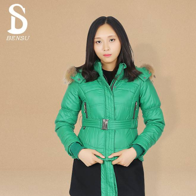 韩款修身新款韩版圆领外套女装 几何拼接连帽狐狸毛外套 冬季
