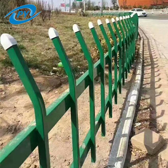低价促销草坪护栏绿化带隔离栏 景区锌钢焊接防破坏折弯草坪护栏