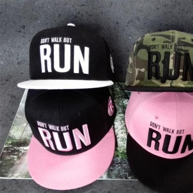 新款户外帽子女士春夏款嘻哈帽迷彩帽字母RUN棒球帽批发嘻哈帽