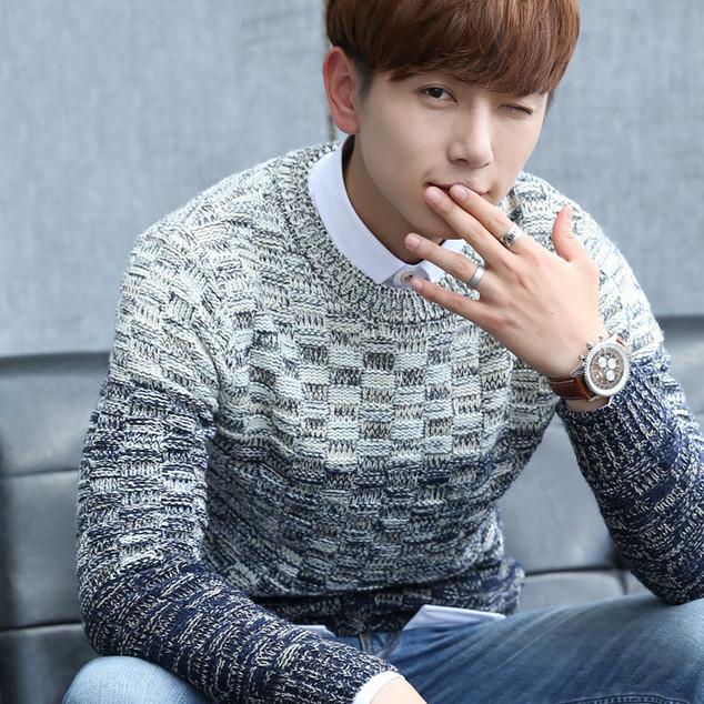 冬季男士新款套头毛衣 英伦风修身加厚男装打底衫渐变色针织衫