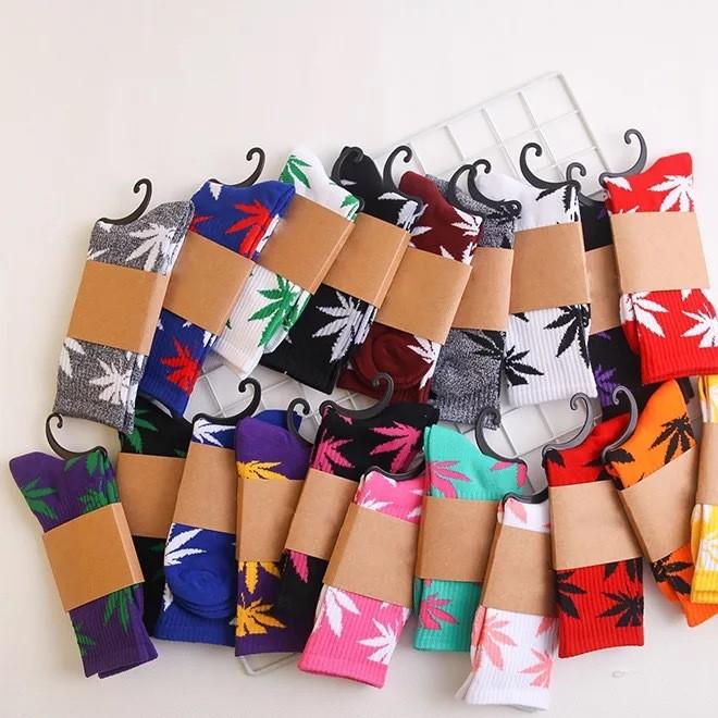 秋冬款情侣枫叶纯棉加厚长筒袜 时尚滑板运动袜简约风格纯棉长袜