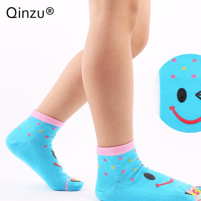 2017秋季新款沁足童袜儿童五指袜子卡通棉制小孩袜子矫正脚型