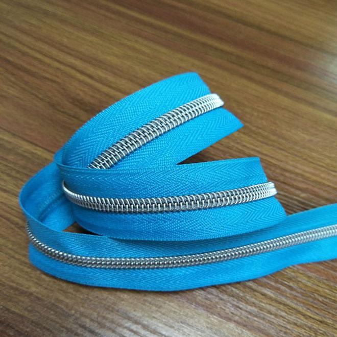 厂家直销 特殊 5#尼龙银牙码装特殊拉链 箱包拉链 颜色可定做