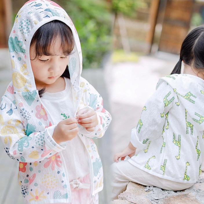 2018夏款韩国童装 儿童防晒服中童 卡通印花长颈鹿女童空调服男童
