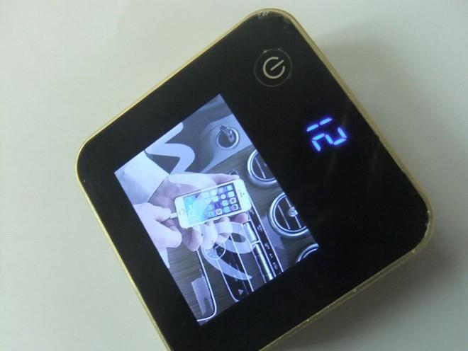 可存储多张图片带2.4寸屏轮流播放广告图片移动电源充电宝
