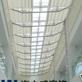青岛 电动天棚帘 折叠电动天窗帘 阳光房窗帘天棚