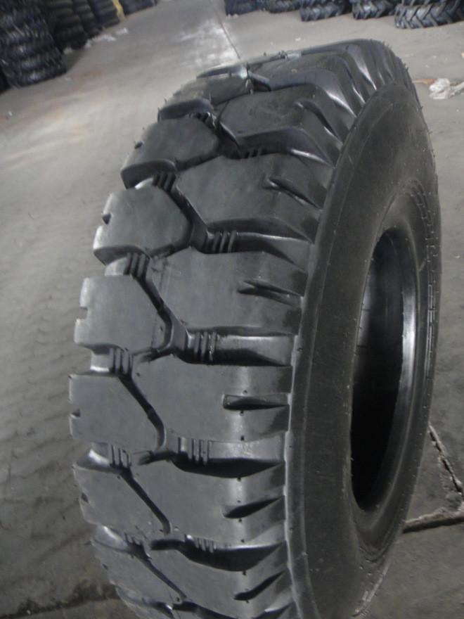 低价供应优质叉车充气轮胎7.00-12