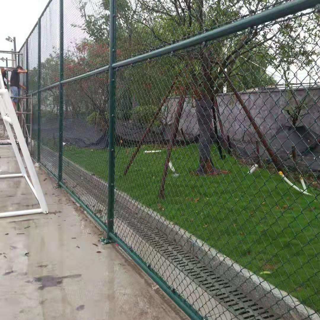 球场护栏/体育场围网/学校操场围栏厂家