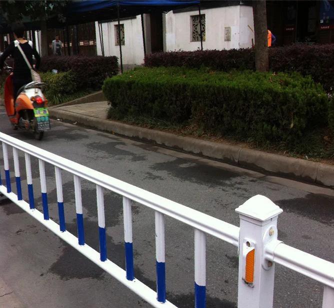 交通道路护栏 马路 隔离栅道路护栏一米哪家好市政护栏