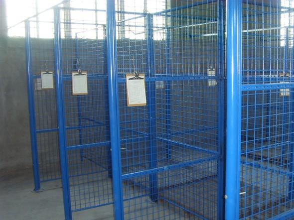 厂家直销喷塑铁丝车间仓库隔离网定制球场监狱隔离围栏双边丝护栏