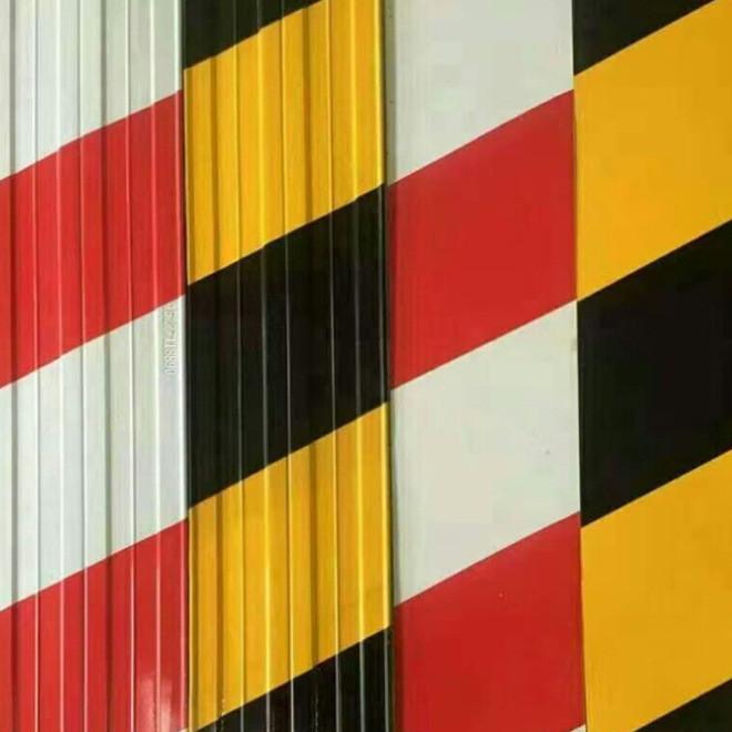 厂家直销建筑施工 安全警示板交通指示牌分色板 黄黑踢脚板批发
